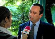 M.Sc. Johnny Madrigal Pana siendo entrevistado