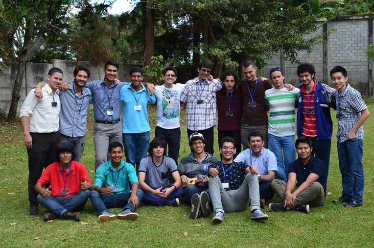 Los jóvenes que participaron en Science and Technology Entrepreneurship Camp provenían de …