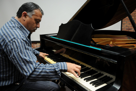El compositor costarricense y profesor universitario Marvin Camacho donó en vida sus partituras …